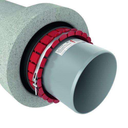 Mit dem BSM-Adapter lassen sich sohlengleiche Übergänge von Rohren auf Schächte sowie auf Rohrmuffen aus klassischen biegesteifen Werkstoffen wie zum Beispiel Steinzeug und Beton herstellen. Foto: Funke Kunststoffe GmbH