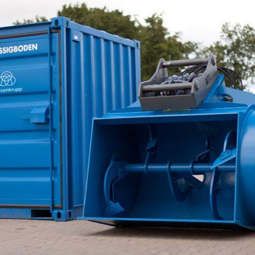 Zur Herstellung von Flüssigböden in Kleinstmengen (1m³) auf der Baustelle vor Ort hat die thyssenkrupp Infrastructure eine mobile Flüssigbodenschaufel als Anbaugerät entwickelt. Foto: thyssenkrupp Infrastructure