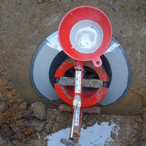 Schnelle, einfache Montage, zuverlässiges Ergebnis: Der Sanierungsstutzen bietet eine praktische Lösung zur Sanierung ausgebrochener Laibungen.  Foto: Funke Kunststoffe GmbH