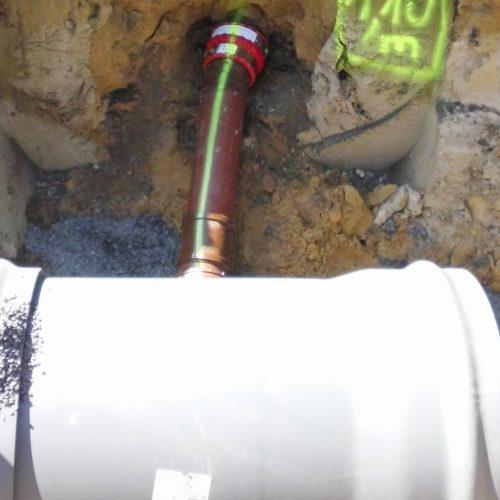 Der CONNEX VARIO-Abzweig ist eine perfekte Lösung für sohlengleiche Anschlüsse. Foto: Funke Kunststoffe GmbH