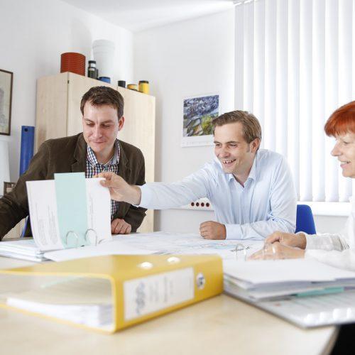 Zu den Dienstleistungen der RAL-Gütegemeinschaft gehört der individuelle Dialog mit Auftraggebern und Unternehmen. Es geht um Qualifikation, Regelwerk und Qualitätssicherung.  Foto: Güteschutz Kanalbau
