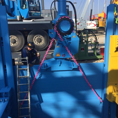 Der thyssenkrupp Verbauzieher ist schnell und effektiv einsetzbar – auch bei schwierigen Bodenverhältnissen.  Foto: thyssenkrupp Infrastructure