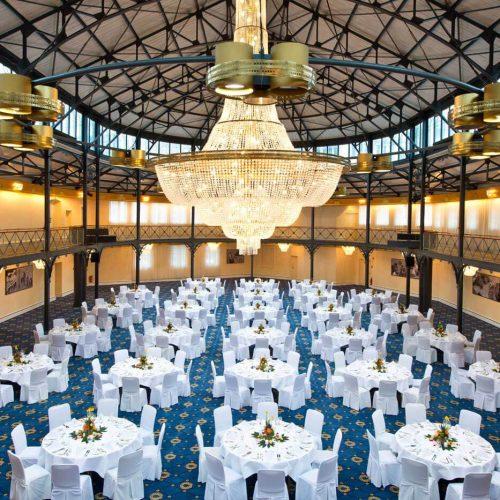 """Festlicher Rahmen: Die """"Alte Stuttgarter Reithalle"""" ist ein bedeutendes Denkmal der Stahlarchitektur des 19. Jahrhunderts Foto: Maritim Hotelgesellschaft"""
