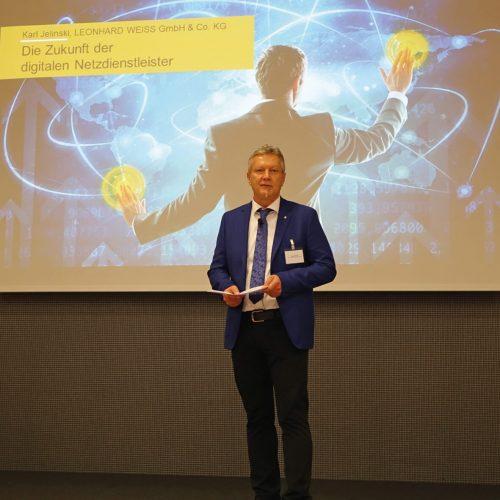 Karl Jelinski machte in seinem Vortrag deutlich, wie sich ein Unternehmen die Digitalisierung zunutze machen kann.  Foto: Rohrleitungsbauverband
