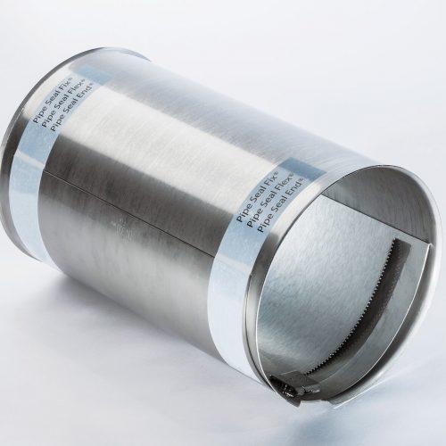 Die Sanierungsmanschette Pipe-Seal-Fix (DN 150-800) eignet sich zuverlässig zur Einzelmontage oder auch für die überlappende Serienversetzung. Foto: Pipe-Seal-Tec