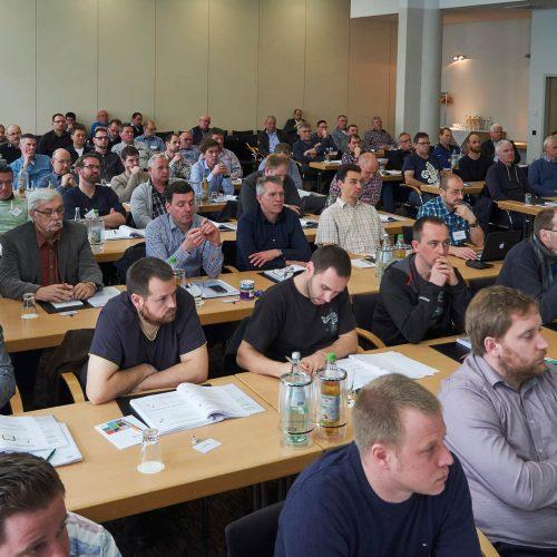 Mit 160 interessierten Teilnehmern, in erster Linie Rohrnetzmeister und Netzmeister von Leitungsbau- und Versorgungsunternehmen, war die Veranstaltung schon frühzeitig ausgebucht.  Foto: Rohrleitungsbauverband