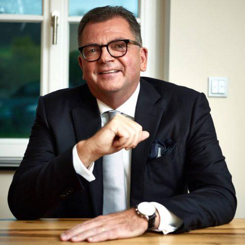 Dipl.-Ing. (FH) Fritz Eckard Lang ist seit April 2016 Präsident des Rohrleitungsbauverbandes e. V. Er gehört dem Vorstand des rbv bereits seit 1996 als Vorsitzender der rbv-Landesgruppe Rheinland-Pfalz/Saarland und seit 2002 zudem als Vizepräsident an.  Foto: Rohrleitungsbauverband