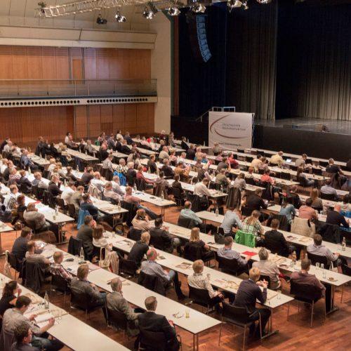 In Mainz profitierten die Tagungs-Teilnehmer nicht zuletzt von den vielen thematischen Schnittmengen, wenn es um Planung und Ausführung von Sanierungsmaßnahmen bei Abwasserentsorgungssystemen geht. Foto: TAH