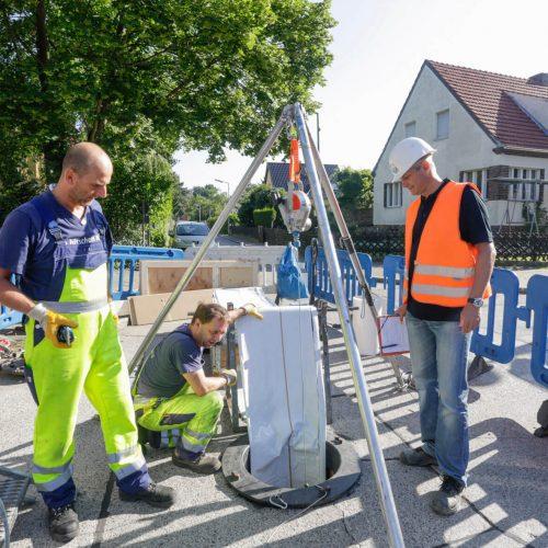 Die Prüfingenieure führen derzeit etwa 3.700 unangemeldete Baustellenbesuche pro Jahr durch, um die Qualifikation und Zuverlässigkeit der Fachfirmen zu überprüfen.  Foto: Güteschutz Kanalbau