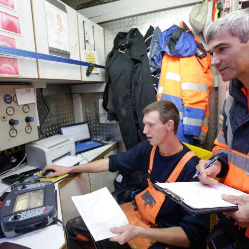 Ein wichtiger Bestandteil der Gütesicherung ist die Überprüfung der Gütezeicheninhaber durch einen beauftragten Prüfingenieur. Foto: Güteschutz Kanalbau