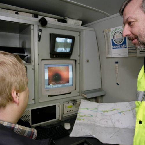 Die Arbeit der Prüfingenieure trägt entscheidend dazu bei, dass Auftraggeber konsequent und wirtschaftlich die Prüfung der Bietereignung durchführen können. Foto: Güteschutz Kanalbau