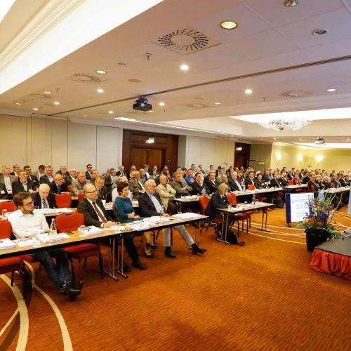 Rund 150 Vertreter der Mitgliedsunternehmen waren der Einladung zur Mitgliederversammlung nach Leipzig gefolgt. Foto: Rohrleitungsbauverband