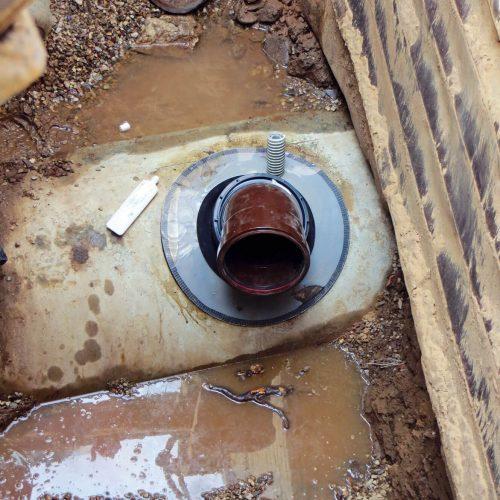 Sauber saniert, dauerhaft dicht: Mit dem in mehreren Ausführungen erhältlichen Funke- Sanierungsstutzen lassen sich Ausbrüche von 200 bis 310 mm professionell sanieren. Foto: Funke Kunststoffe GmbH