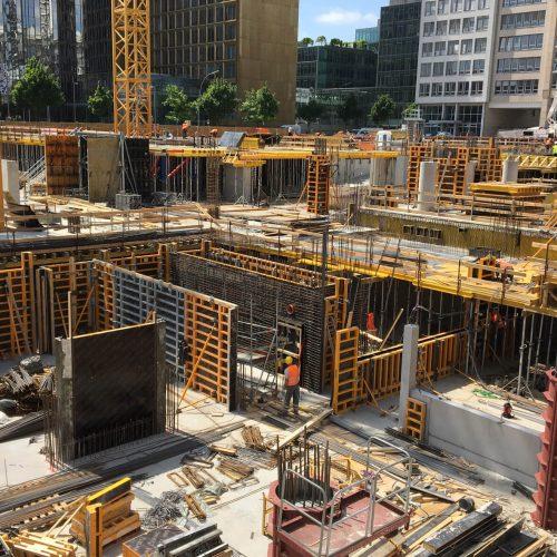 Für das schalungstechnische Referenzobjekt liefert ULMA eine Vielzahl von Bausteinen aus ihrem Systembaukasten: Unter anderem rund 2.200 m2 Rahmenschalung ORMA, ca. 9.000 Deckenstützen sowie 21.000 lfdm. Holzschalungsträger VM-20.  Foto: ULMA