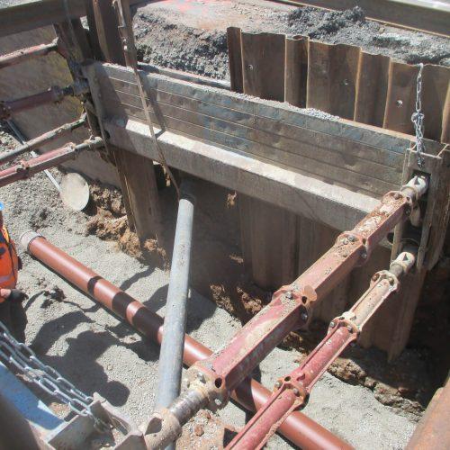 Die an ihrer braunen Farbe gut zu erkennende Schmutzwasserleitung DN/OD 250 ersetzt die aus den 60er Jahren stammende Altleitung. Foto: Funke Kunststoffe GmbH