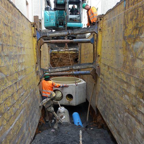 Dank der kompletten Vorfertigung der Schachtunterteile sind diese auf der Baustelle sofort einsetzbar.  Foto: Gebr. Fasel Betonwerke GmbH