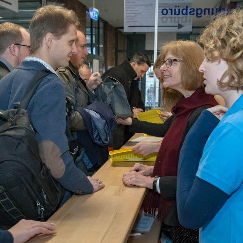 Herzlich willkommen: Im Tagungsbüro laufen alle organisatorischen Fäden der Veranstaltung zusammen. Foto: iro/michaelstephan.eu