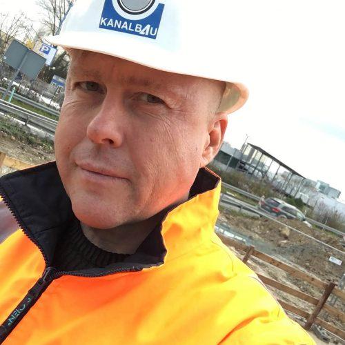 Prüfingenieur Norbert Nielsen begrüßt, dass die Anforderungen der RAL-Gütesicherung GZ-961 in der EKVO von Hessen nach wie vor verankert sind.   Foto: Güteschutz Kanalbau