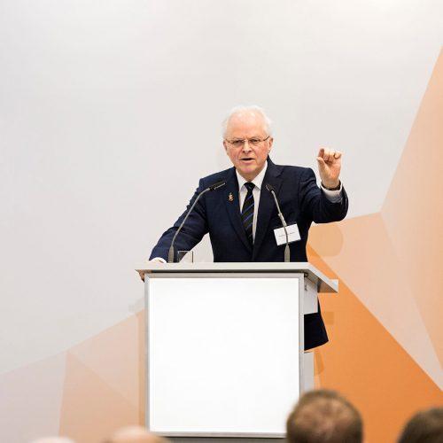 """Dr. Peter Missal: """"Ziel des Projektes KIBOenergy ist das bestmögliche Zusammenwirken der Säulen erneuerbare Energien, Energieeffizienz, Energiespeichertechnologien und intelligente Netztechnik."""" Foto: Rohrleitungsbauverband"""