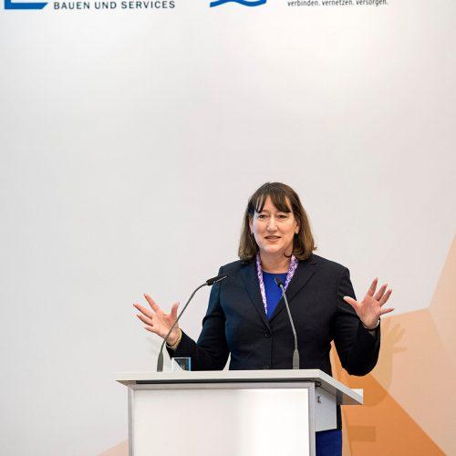 """Hildegard Müller: """"Eine umfangreiche Modernisierung der Verteilnetze-Infrastruktur ist notwendig."""" Foto: Rohrleitungsbauverband"""