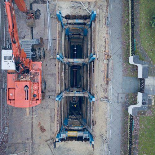 In einer Tiefe von rund 10 Metern wurden die beschädigten Steinzeugrohre ausgetauscht und zudem ein Schachtbauwerk erneuert. Foto: Carl Zauber Tiefbau GmbH
