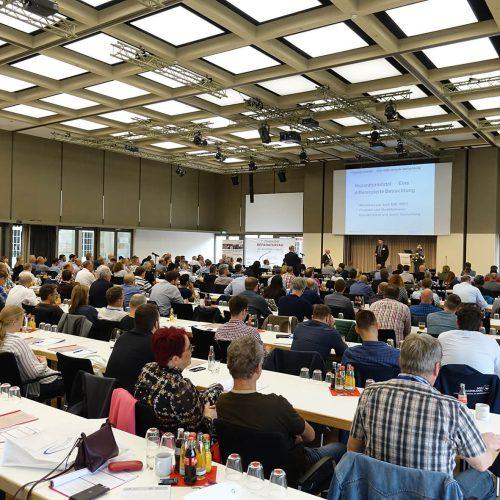 Rund 250 Teilnehmer konnte der 7. Deutsche Reparaturtag verzeichnen. Foto: TAH