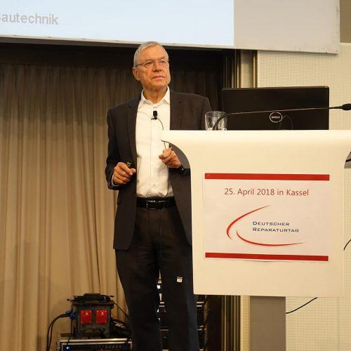 Prof. Dr.-Ing. Volker Wagner, Freier Gutachter und Sachverständiger, moderierte die Veranstaltungen in Kassel. Foto: TAH