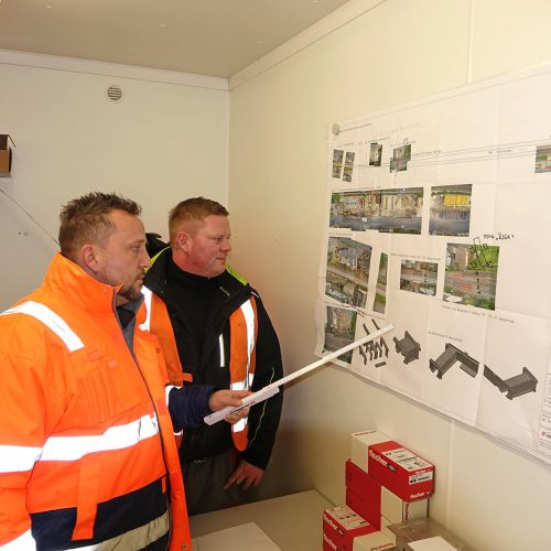 Oberbauleiter Michael Storat (li.) und Polier Henry Verbocket haben sämtliche Gewerke des außergewöhnlichen Projektes koordiniert. Foto: ULMA