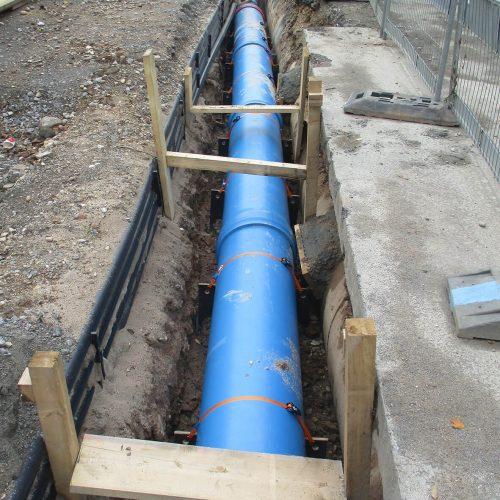 Auf einer Länge von knapp 100 m wurden HS®-Regenwasserohre im Nennweitenbereich von  DN/OD 315 bis DN/OD 630 der Funke Kunststoffe GmbH verlegt. Foto: Funke Kunststoffe GmbH