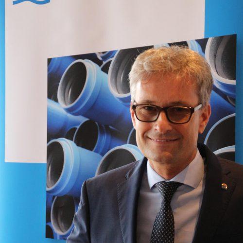 """Festredner Andreas Burger an die Absolventen: """"Sie haben alles richtig gemacht."""" Foto: Rohrleitungsbauverband"""