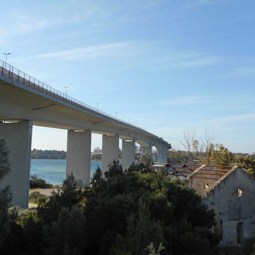 """Die 1977 errichtete """"Ponte Punta Penna Pizzone di Taranto"""" gilt als eine der längsten Spannbetonbrücken Europas. Foto: DIRINGER & SCHEIDEL ROHRSANIERUNG"""