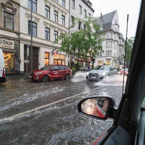 Mittlerweile ein Dauerthema; Welche Maßnahmen und Vorkehrungen können Städte und Kommunen gegen Überschwemmungen und Überflutungen nach Starkregenereignissen ergreifen? Foto: pixabay