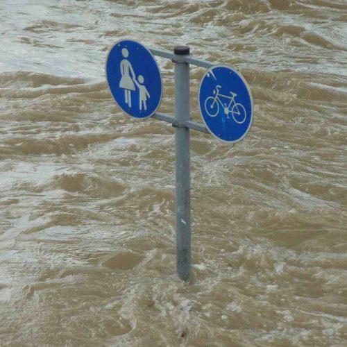 Land unter heißt es in vielen Regionen, wenn das Wasser nach Starkregenereignissen nicht ablaufen kann. Foto: pixabay
