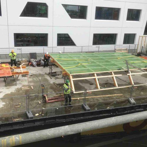 Die HWS-Paneelen in einer Sondergröße von 7,90 m Breite und 10,80 m Länge wurden direkt vor Ort auf der Baustelle montiert. Foto: ULMA