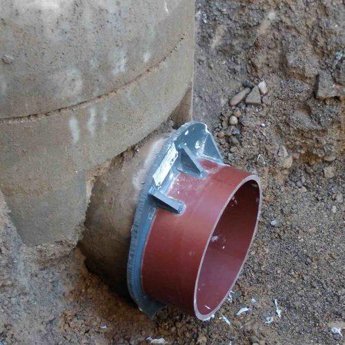 Eingebauter Eiprofiladapter. Eine VPC®-Rohrkupplung sorgt für eine dichte Verbindung mit dem nächsten Rohr. Foto: Funke Kunststoffe