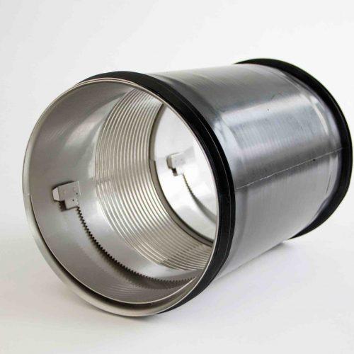 Quick-Lock Flex wurde konzipiert für den Einsatz bei radialen Versätzen bis zu 2,5 cm und / oder Achsabwinklungen bis max. 10° ohne weiterführende Vorarbeiten. Foto: UHRIG Kanaltechnik GmbH