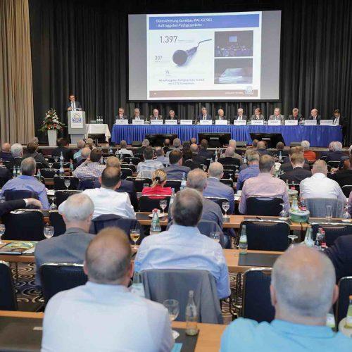 Gemeinsame Ziele: Gremien und Mitglieder der Gütegemeinschaft Kanalbau nutzten die Mitgliederversammlung in Bonn, um Zielvorstellungen für die Zukunft zu definieren und umzusetzen. • Foto: Güteschutz Kanalbau