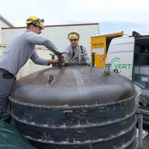 Vorbereitung des Packers, der baulich auf die Einbaubedingungen angepasst worden war. Foto: DIRINGER & SCHEIDEL ROHRSANIERUNG