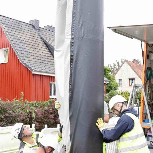 """""""Schaustelle"""" SF-Schachtliner in Bremen: Installation von SF-Schachtliner DN 1000 mit einer Mindestwandstärke von 5,0 mm und einer Länge von ca. 6 m. Foto: Swietelsky-Faber GmbH Kanalsanierung"""