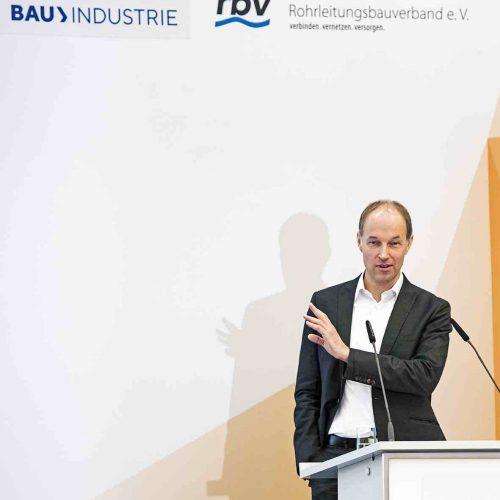 """""""Eine H2-Infrastruktur kann unter bestmöglicher Nutzung vorhandener Gasinfrastrukturen zeitnah und kosteneffizient entwickelt werden."""" Diese These vertrat Frank Heunemann, Geschäftsführer Nowega GmbH, Münster. Foto: rbv"""