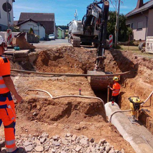 Nachhaltigkeit ist Trumpf bei der Sanierung der Infrastruktur in Mudershausen: Das gilt auch bei der Wahl des Kanalrohrsystems. Foto: Abel & Weimar Straßen- und Tiefbau GmbH