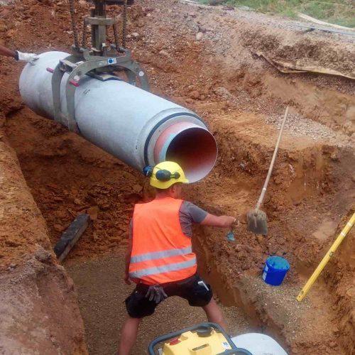 Ein Kanalrohrsystem aus Beton und Kunststoff: Das Ergebnis ist ein äußerst dichtes, stabiles und langlebiges Rohrsystem. Foto: Abel & Weimar Straßen- und Tiefbau GmbH