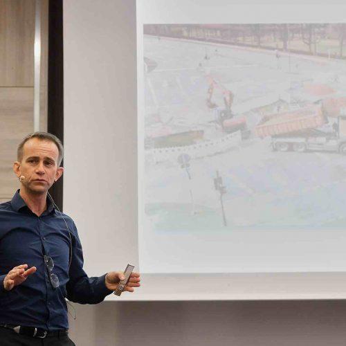 Die professionelle fachliche Leitung des ersten Veranstaltungstages lag in den bewährten Händen von Dipl.-Ing. Helge Fuchs, Referent bei der rbv GmbH. Foto: rbv