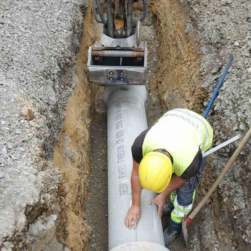 Die guten bautechnischen Eigenschaften der FABEKUN®-Kanalrohre schaffen die Voraussetzung dafür, dass das System bei fachgerechter Verlegung jahrzehntelang einwandfrei funktioniert. Foto: Gebr. Fasel Betonwerke GmbH