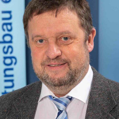 Trotz etwas Wehmut sieht Prof. Dipl.-Ing. Thomas Wegener positiv gestimmt dem kleinen Jubiläum in neuer Umgebung entgegen. Foto: iro/michaelstephan.eu
