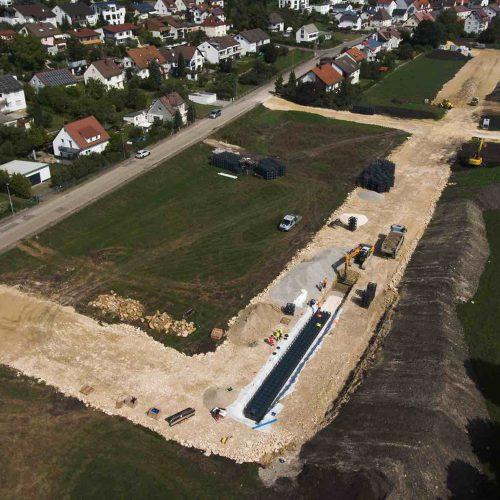 Ein Rigolensystem aus D-Raintank 3000®-Elementen wird das Neubaugebiet in Oberelchingen gegen Überflutungen schützen. Foto: Funke Kunststoffe