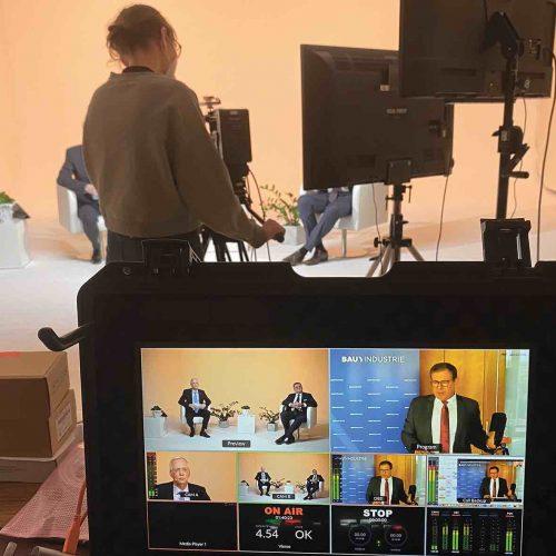 """Die erste Station der Online-Tagung ging direkt in das """"Hauptstadtstudio"""" in Berlin, von wo der im Januar noch als HDB-Hauptgeschäftsführer tätige Dieter Babiel einen Überblick über das aktuelle Baugeschehen gab. Foto: rbv"""