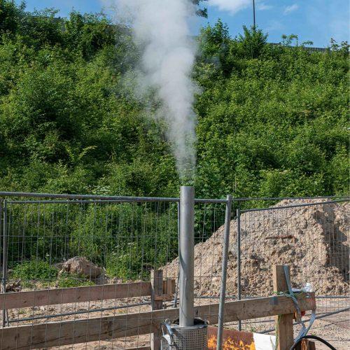 Am Ende der zu sanierenden Haltung kann der erkaltete Dampf über einen Auslass entweichen. Foto. D&S Rohrsanierung