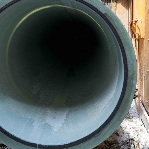 Eine saubere Sache: Nach fachgerechter Installation können Liner und CODURE-Flansch mit dem entsprechenden Gegenstück wieder mit der Altrohrleitung wieder verbunden werden. Foto. D&S Rohrsanierung