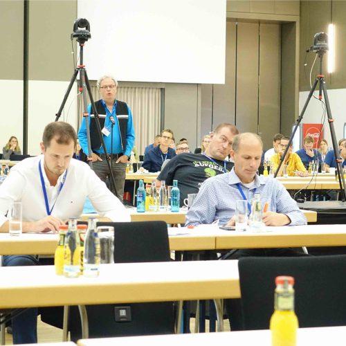 Viele konstruktive Redebeiträge kamen auch aus dem in Kassel vor Ort anwesenden Auditorium. Foto: TAH